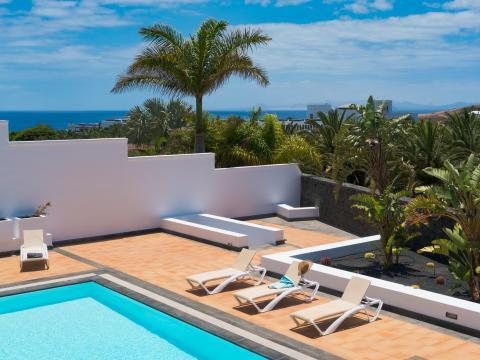 For sale Villa Puerto Calero Lanzarote Photo 1