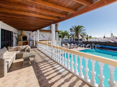 For sale Villa Puerto del Carmen Lanzarote Photo 2